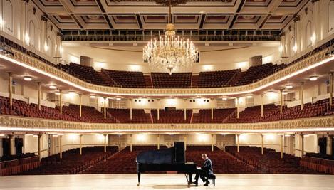 Interior of Cincinnati Musical Hall Auditorium (cincinnatiarts.org)